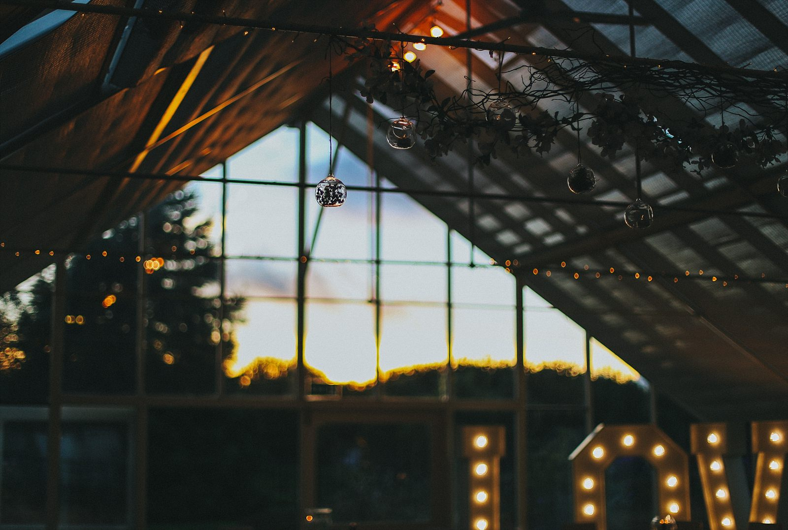 Abbeywood Estate Wedding in the evening during the summer nighta