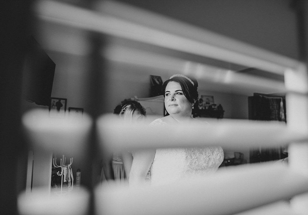 Tara+Geoff-warrington-wedding-photographer-photography-Hallmark-hotel-documentry-photo-idea-embee0056