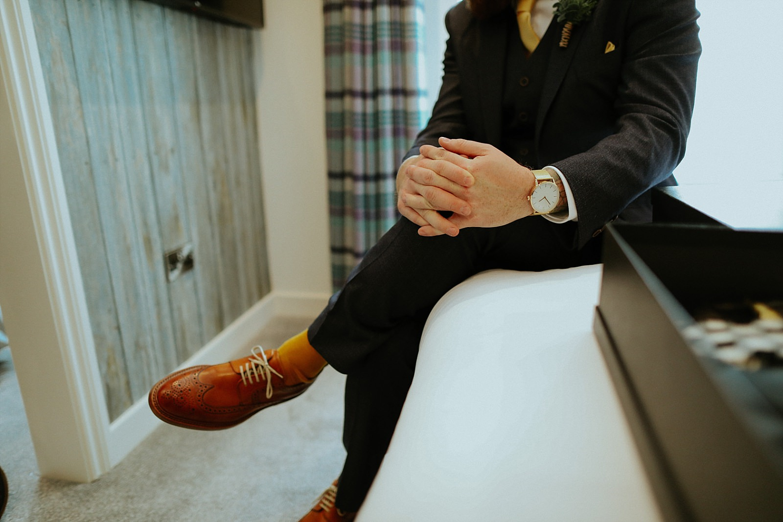 grooms hands and shoes