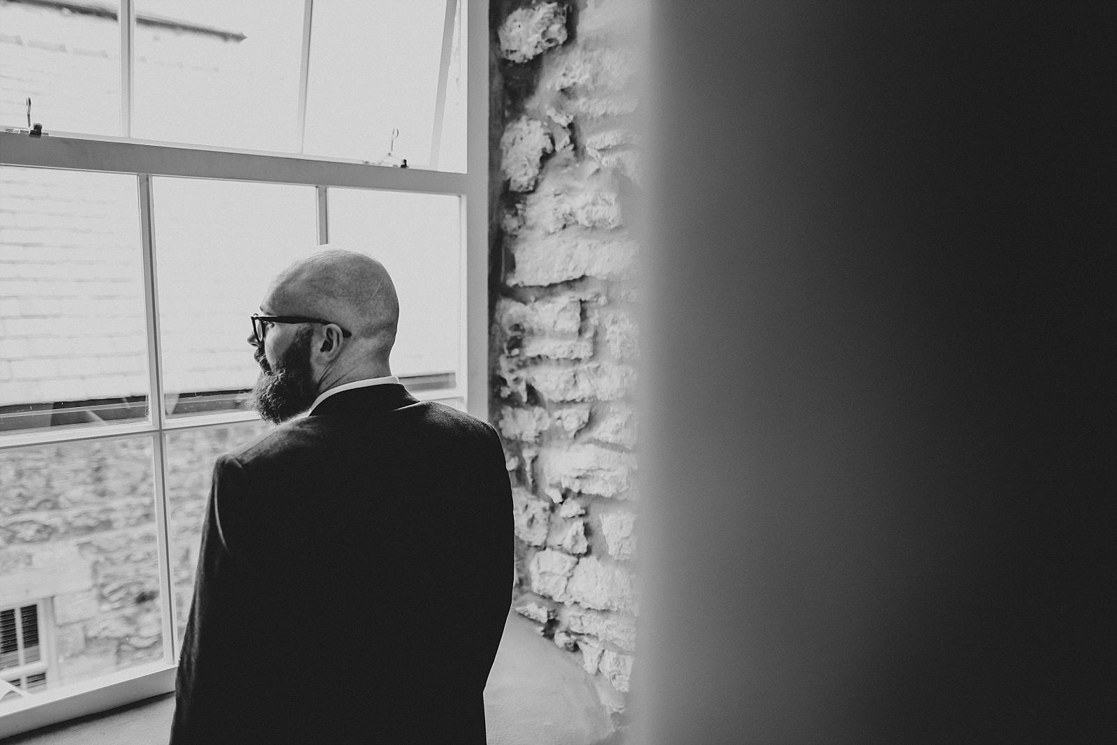 creative groom shot at holmes mill