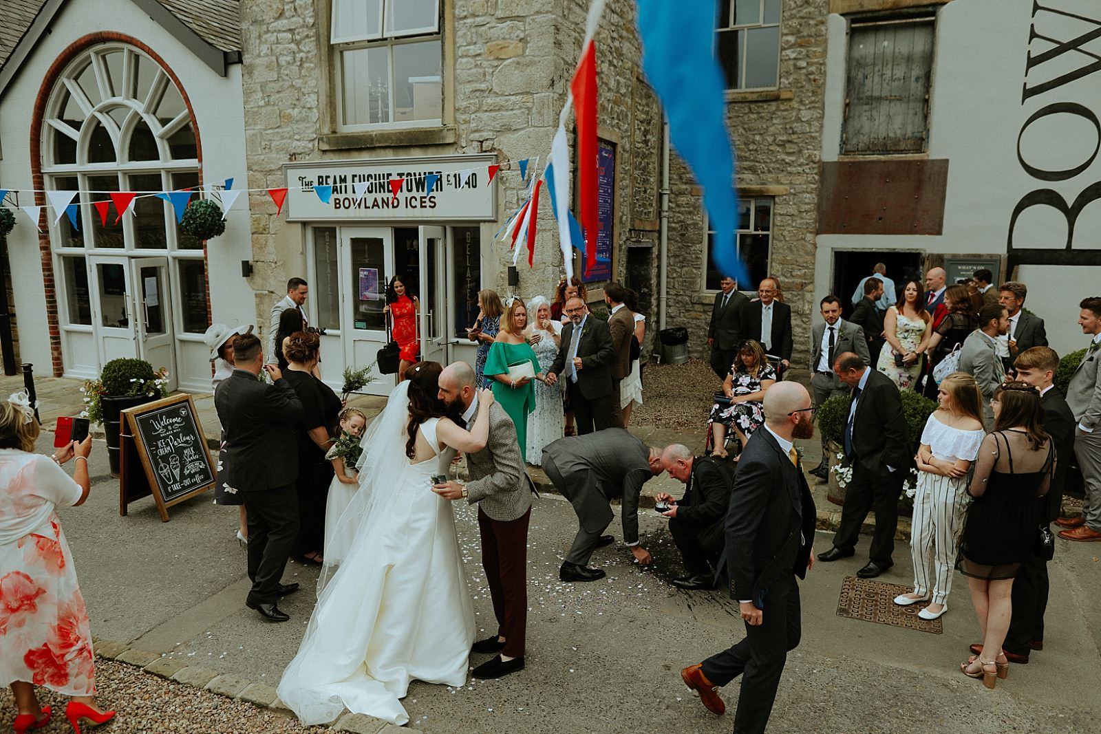 documentitive wedding moments at holmes mill