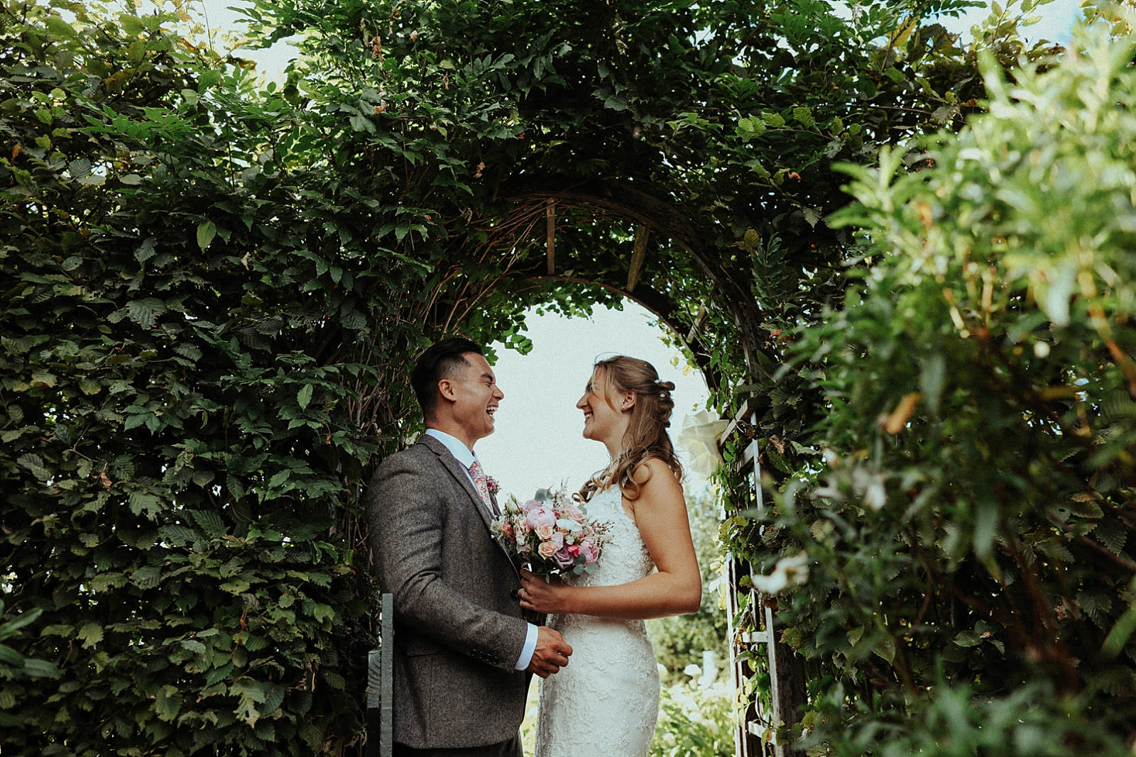 wedding photography of bride and groom at pryor hayes