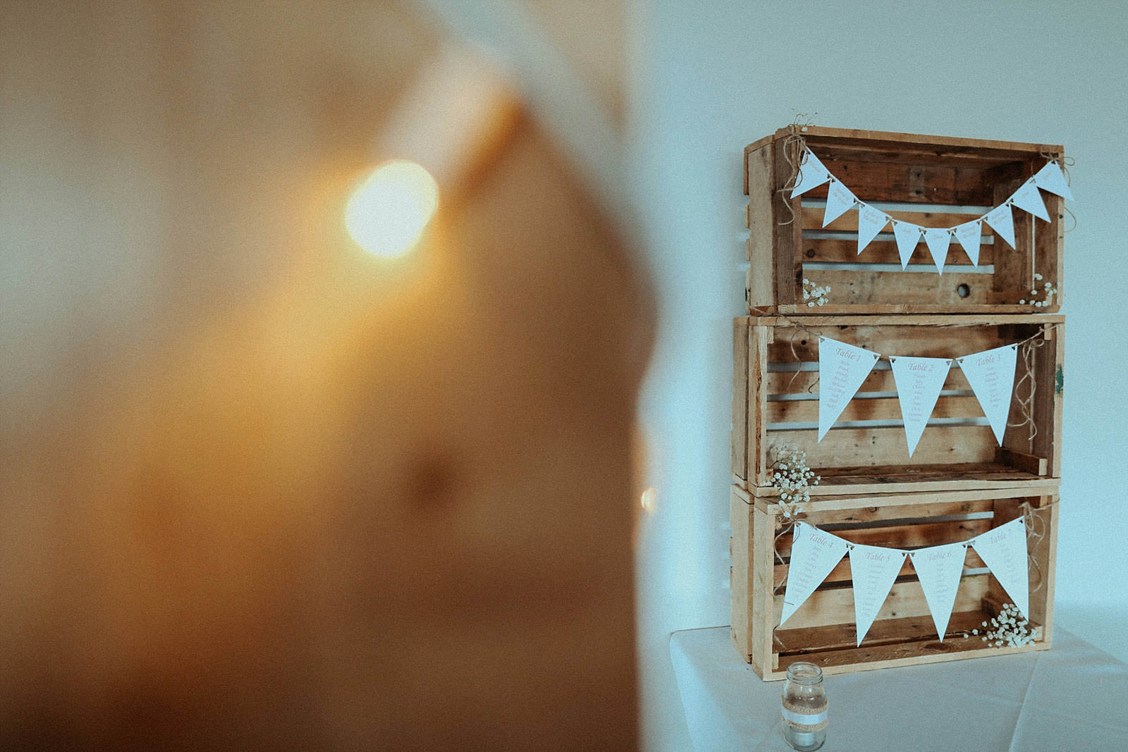 rustic crate and bunting seating plan