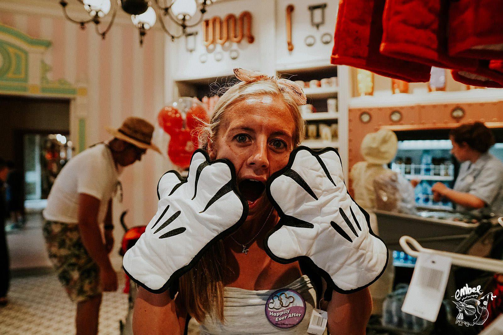 girl giant mini mouse oven gloves