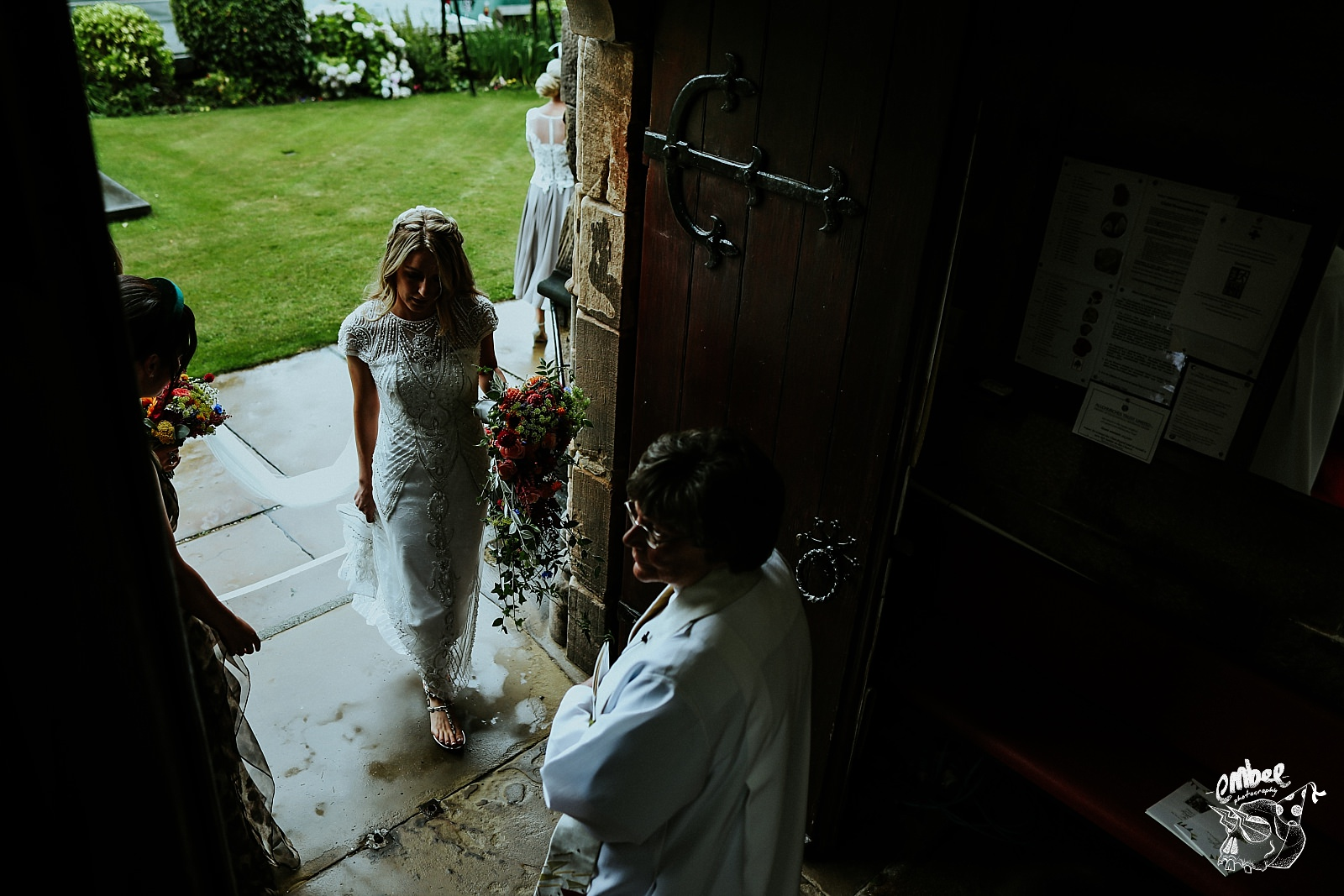 brides arrives in church