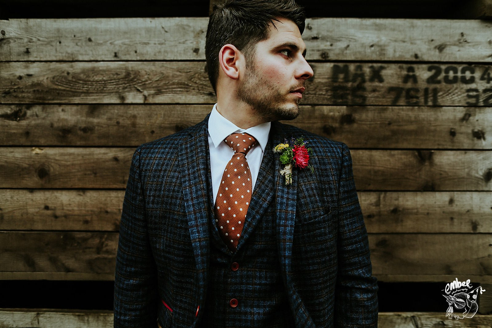 details of grooms suite and tie