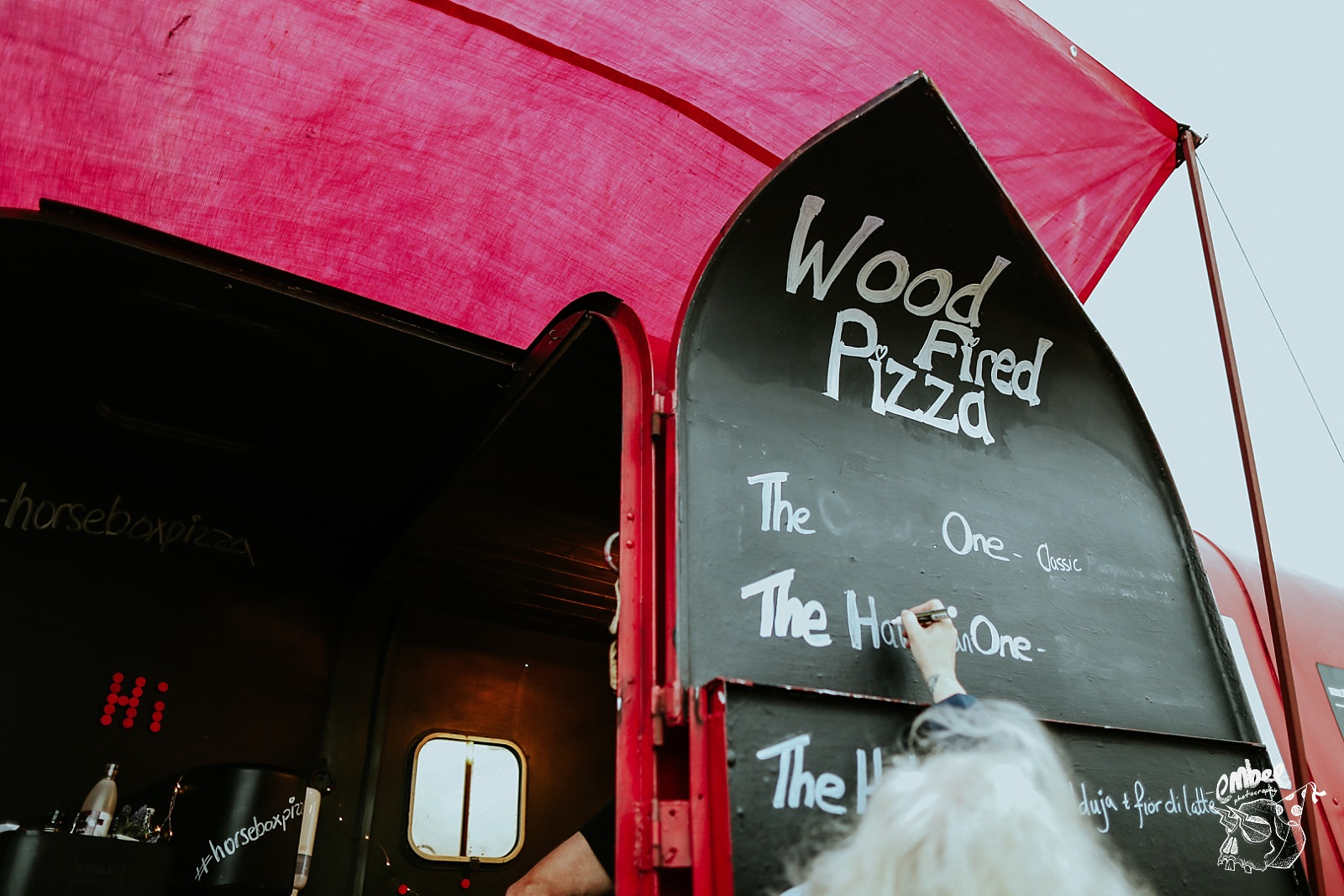 wood fired pizza horse box at wedding